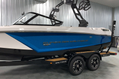 Masters Blue Flake on the 2021 Nautique GS20 Wake Boat