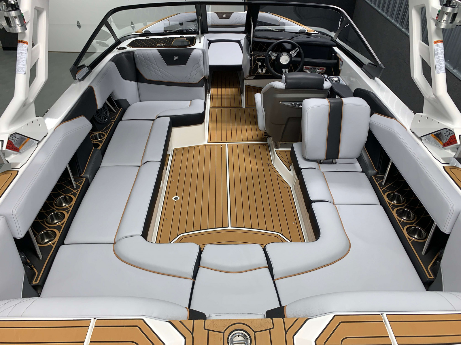 Interior Layout of the 2021 Nautique GS22 Wake Boat