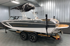Trailer Guide Poles of the 2021 Nautique GS22 Wake Boat