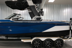 Exterior Hull Design of the 2021 Nautique G25 Paragon Wake Boat