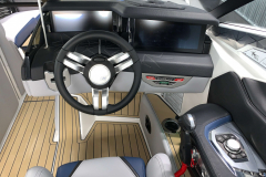 Dual LINC Panoray Displays of the 2021 Nautique G25 Paragon Wake Boat