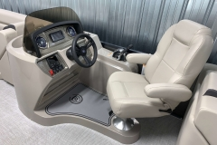 Helm of the 2021 Premier 220 Sunspree RF Pontoon Boat