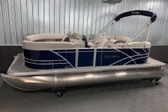 Interior/Exterior of the 2021 Sylvan 820 LZ Pontoon Boat