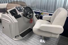 Mirage Series Helm of the 2021 Sylvan 820 LZ Pontoon Boat