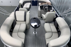 Mirage LZ Layout of the 2021 Sylvan 820 LZ Pontoon Boat
