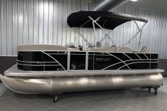 D-Rail Panel Design of the 2022 Sylvan Mirage 8520 Party Fish Pontoon Boat