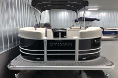 Bow Swim Deck of the 2022 Sylvan Mirage 8520 Party Fish Pontoon Boat