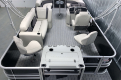 Party Fish Layout of the 2022 Sylvan Mirage 8520 Party Fish Pontoon Boat