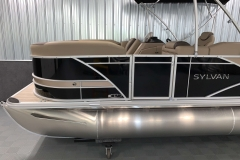 Tan Exterior Accents of the 2021 Sylvan L1 Cruise Pontoon Boat