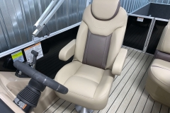 High Back Captain's Chair of the 2021 Sylvan L1 Cruise Pontoon Boat