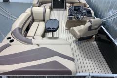 Teak Weave Vinyl Flooring of the 2021 Sylvan L1 Cruise Pontoon Boat