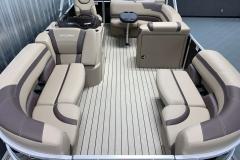 Interior Layout of the 2021 Sylvan L1 Cruise Pontoon Boat