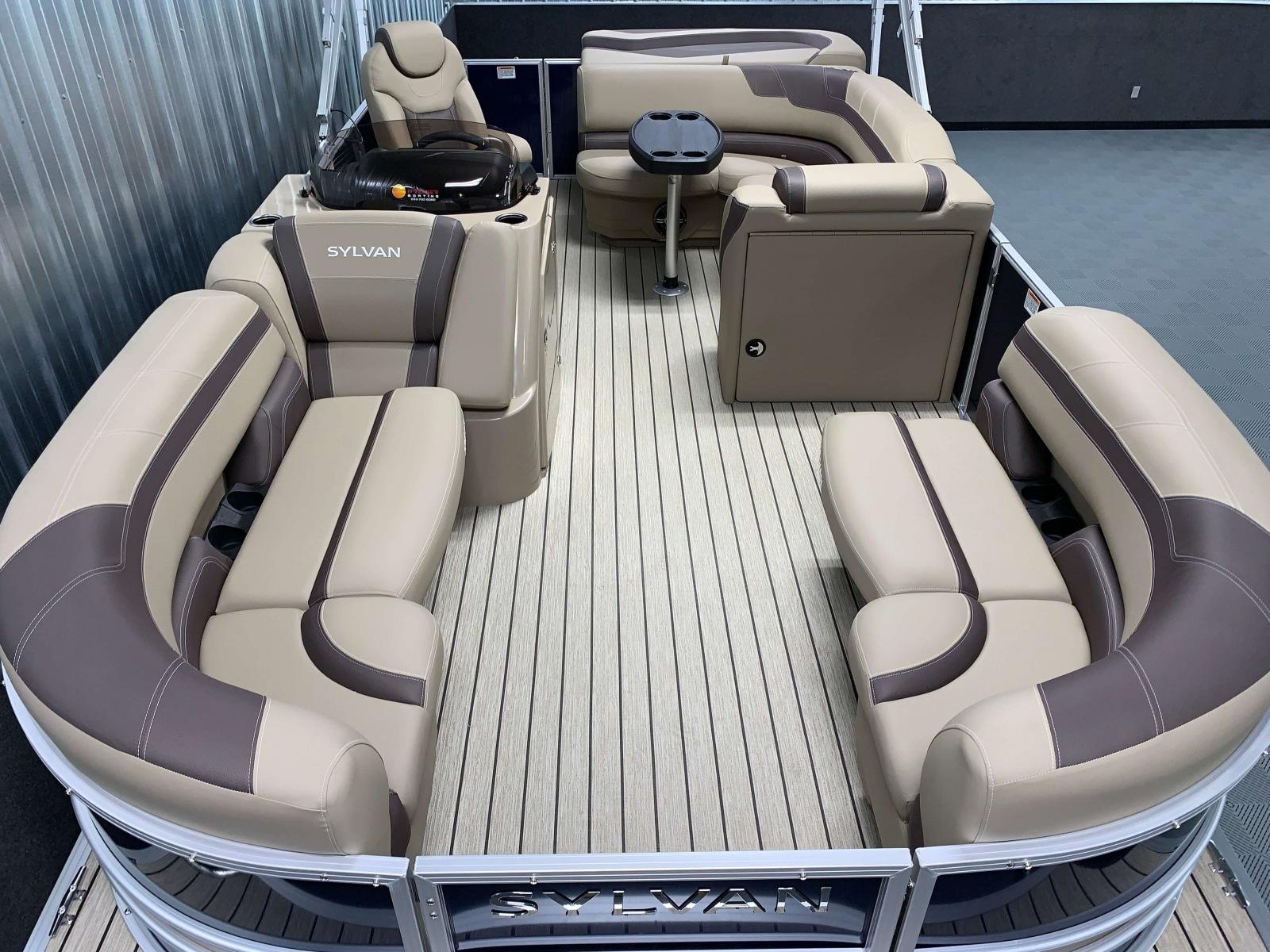 Teak Weave Vinyl Flooring of the 2022 Sylvan L1 Cruise Pontoon Boat