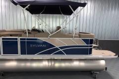 Chrome Sylvan Emblem on the 2022 Sylvan L1 Cruise Pontoon Boat