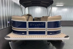 Bow Swim Deck of the 2022 Sylvan L1 Cruise Pontoon Boat