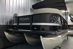 Tritoon Package of the 2021 Sylvan L1 LZ Tritoon Boat