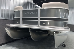 Tritoon Package on the 2021 Sylvan L1 LZ Tritoon Boat