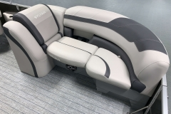 Built-In Cupholder Units of the 2021 Sylvan L1 LZ Tritoon Boat