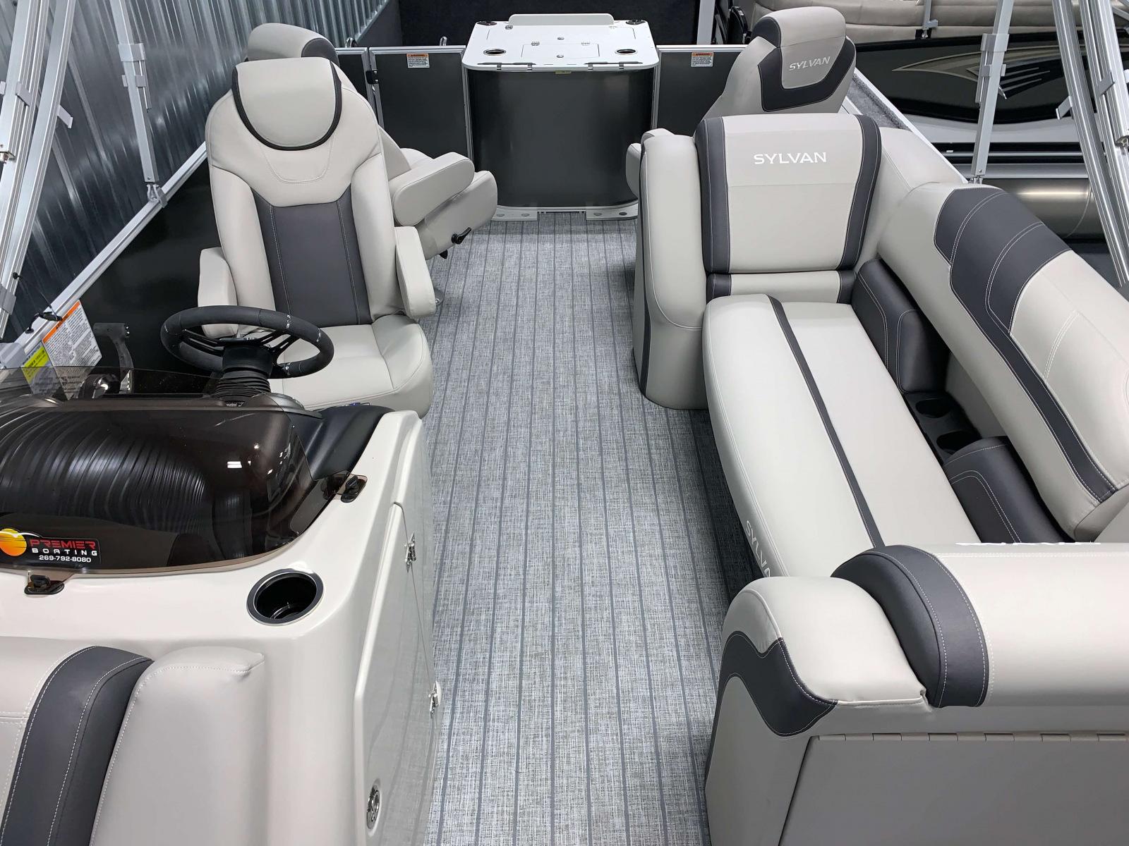 Interior Aft Layout of the 2022 Sylvan L3 Party Fish Pontoon Boat