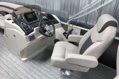 L-Series Helm of the 2022 Sylvan L3 Party Fish Pontoon Boat