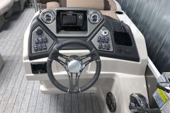 Humminbird Helix 5 Graph on the 2022 Sylvan L3 Party Fish Pontoon Boat