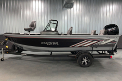 Two-Tone Paint Scheme of the 2022 Smoker Craft Adventurer 188 DC Fishing Boat