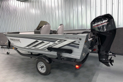 Trailer Load Guides of the 2022 Smoker Craft Pro Angler Fishing Boat