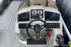 Helm of the 2022 Sylvan Mirage 8520 Cruise Pontoon Boat